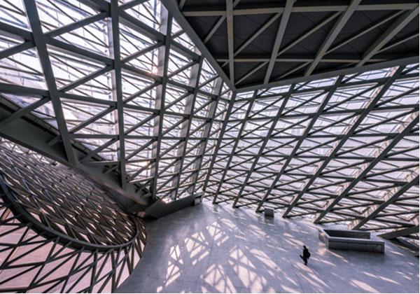 对超高层钢结构建筑施工技术和管理进行探讨